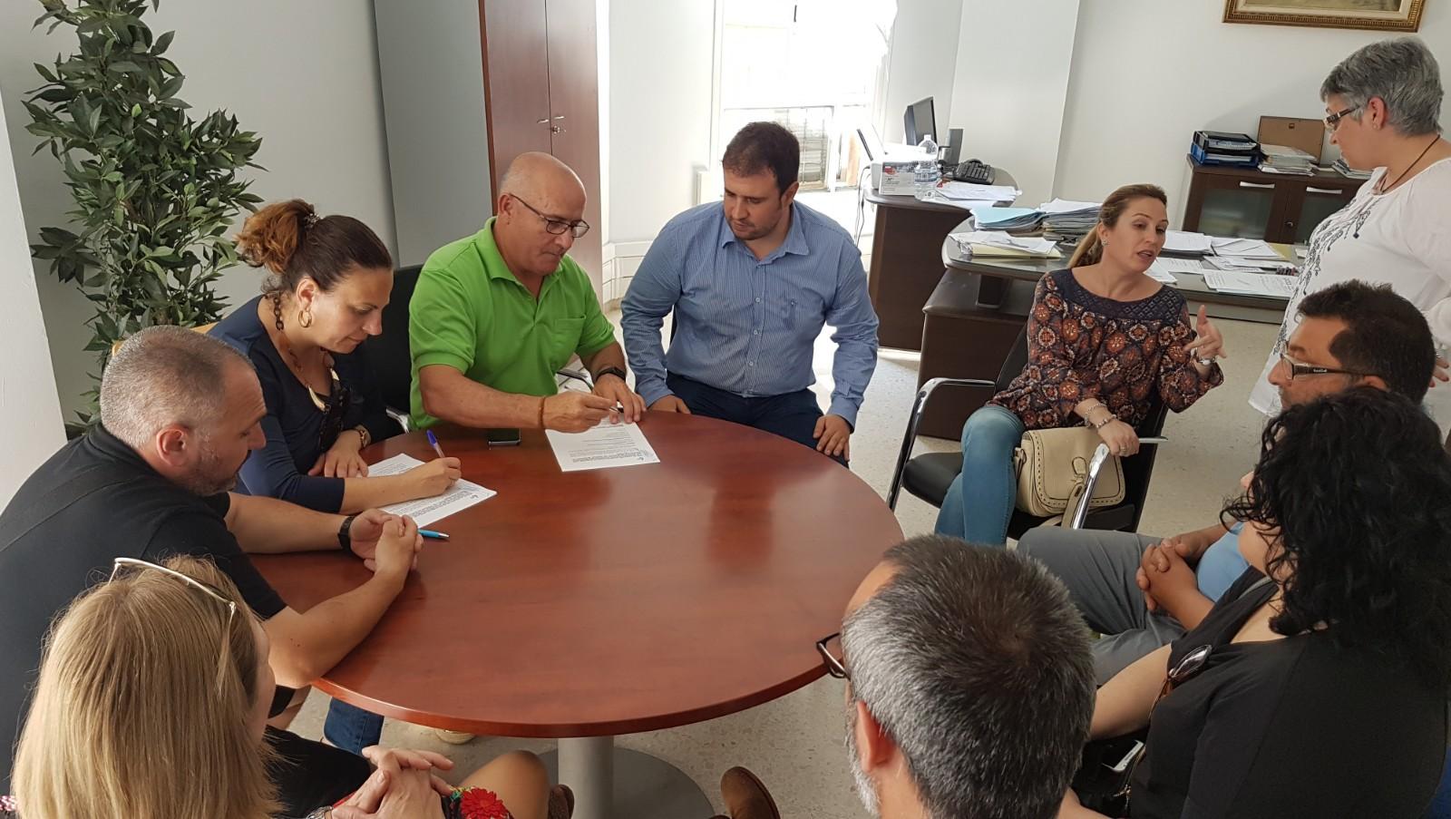 El Ayuntamiento de Adra mejora las condiciones laborales de nueve trabajadoras