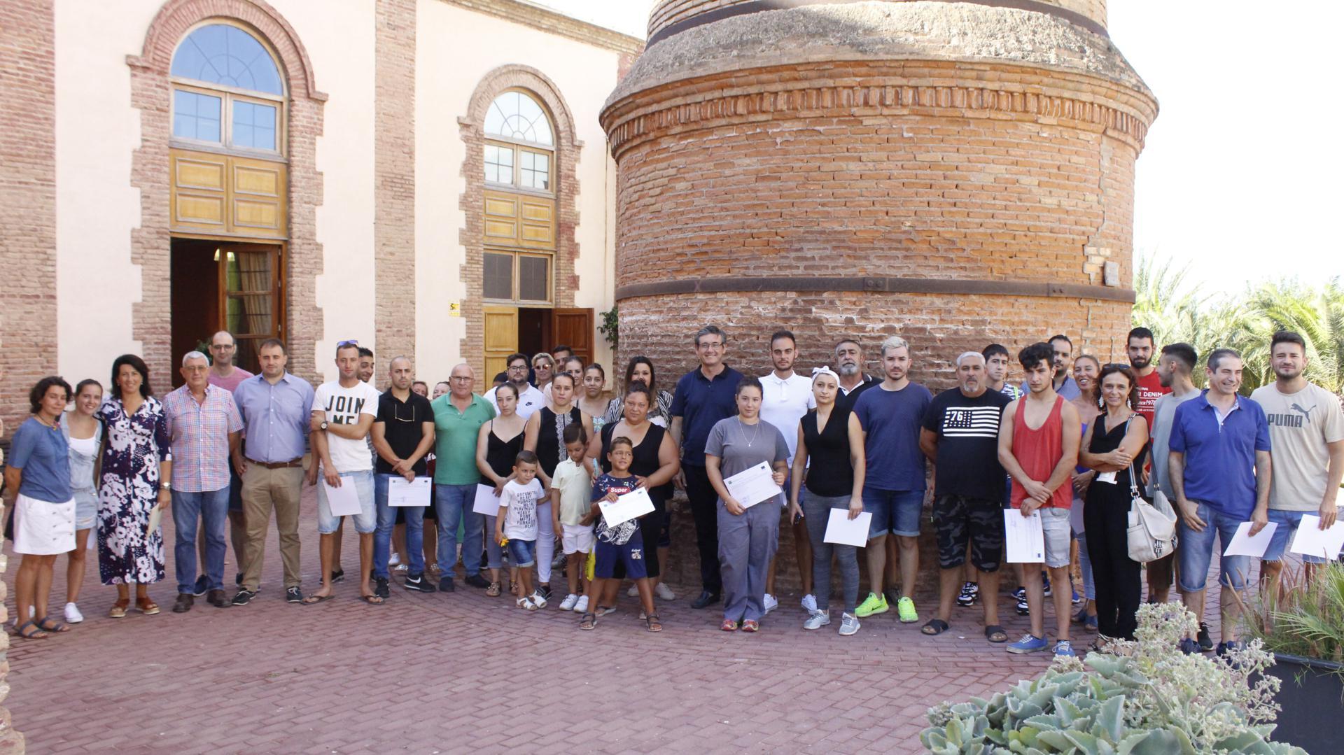 Entregados los diplomas a los beneficiarios de los planes Emple@Joven y Emplea30+ en Adra