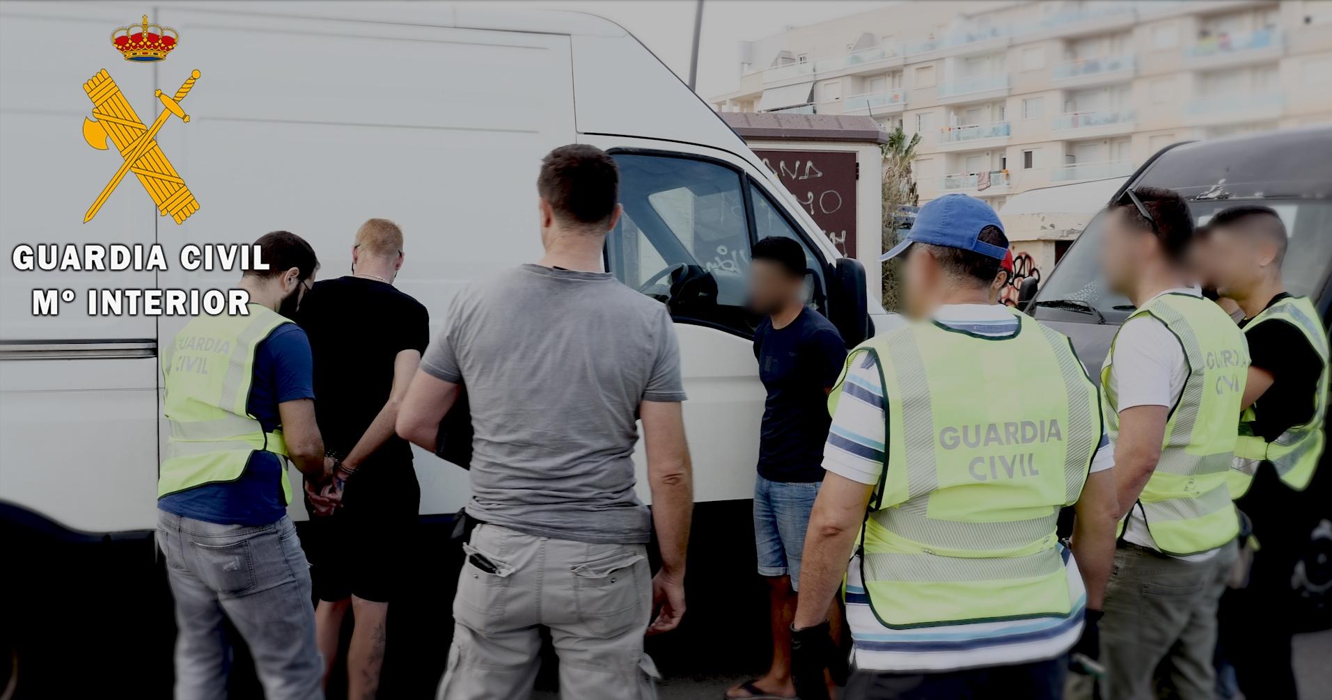 """La Guardia Civil detiene a 11 personas que hurtaba productos agrícolas y los """"colocaba"""" en almacenes, mercadillos y  particulares"""