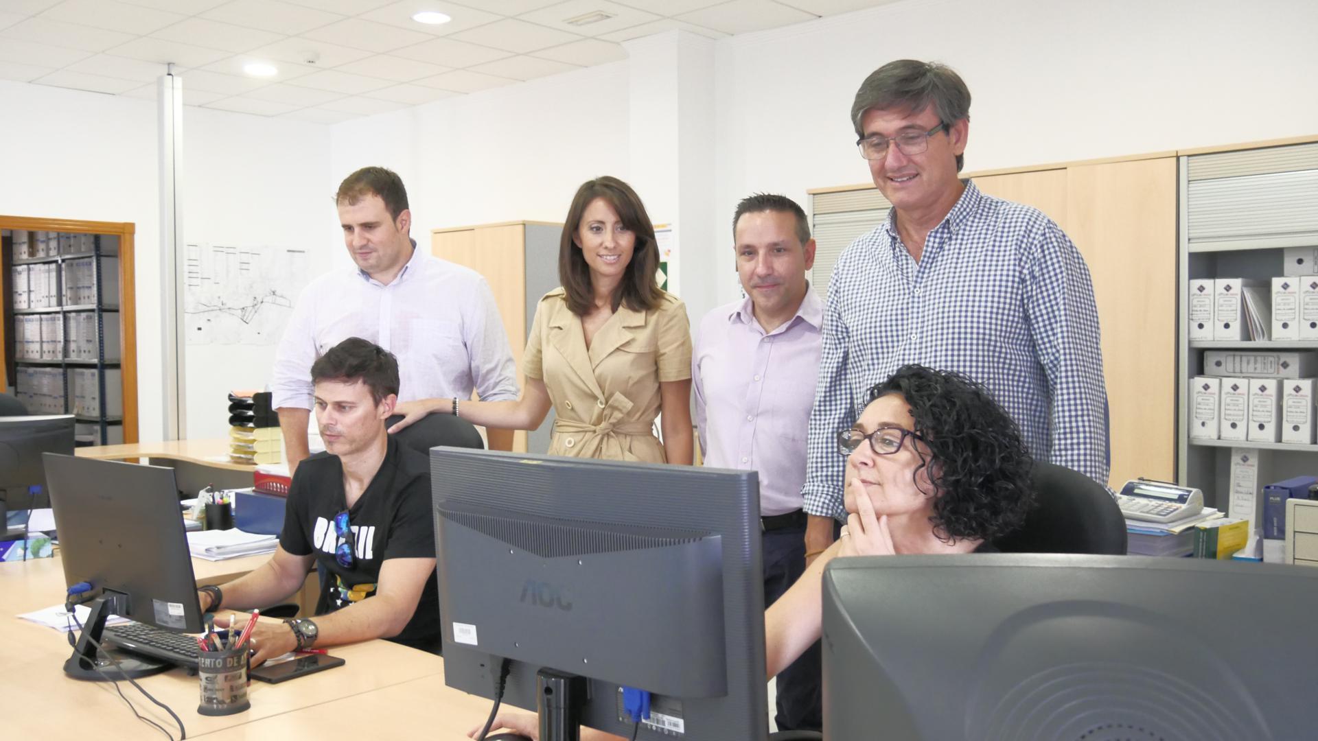 Adra destina 400.000 euros a modernizar la administración y permitir realizar gestiones desde casa