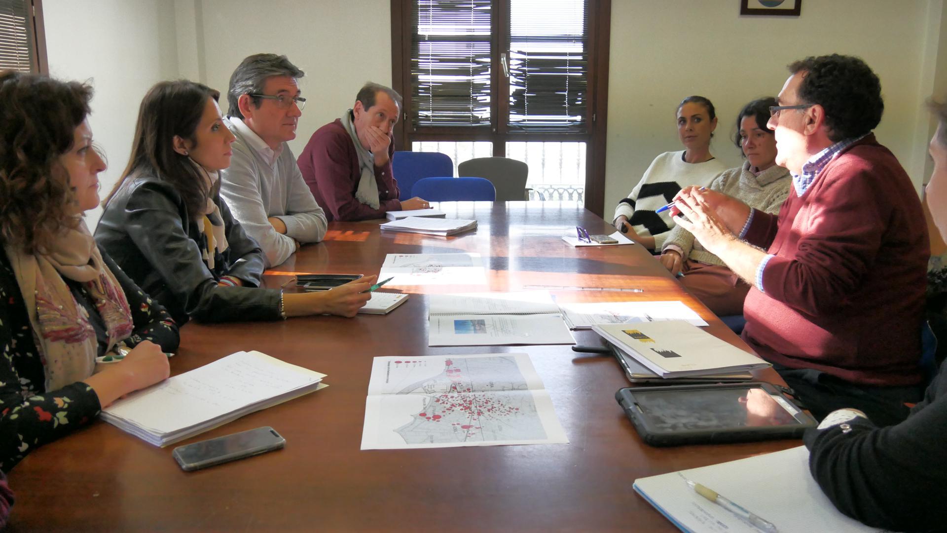 El Plan de Captación de Inversores Turísticos y Emprendedores en Adra verá la luz en enero