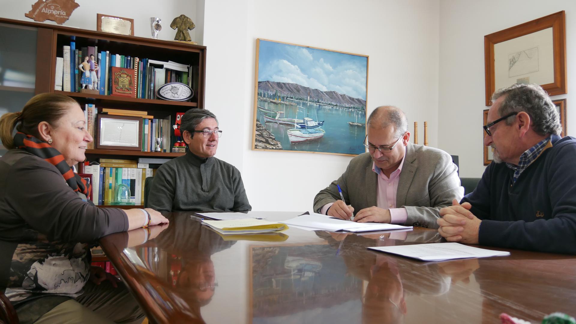 firma redaccion proyecto Centro de salud La Curva