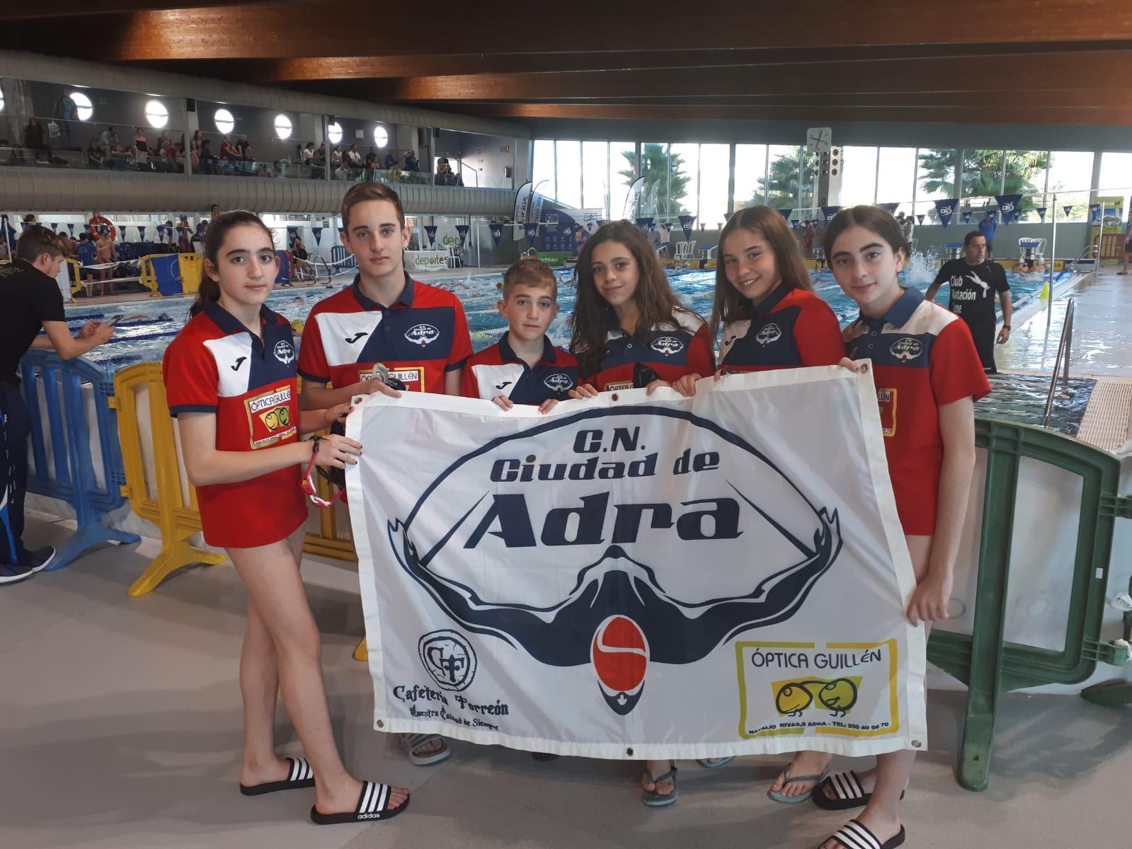 Buen papel de los nadadores del Club Natación de Adra en el Campeonato de Andalucía de Invierno