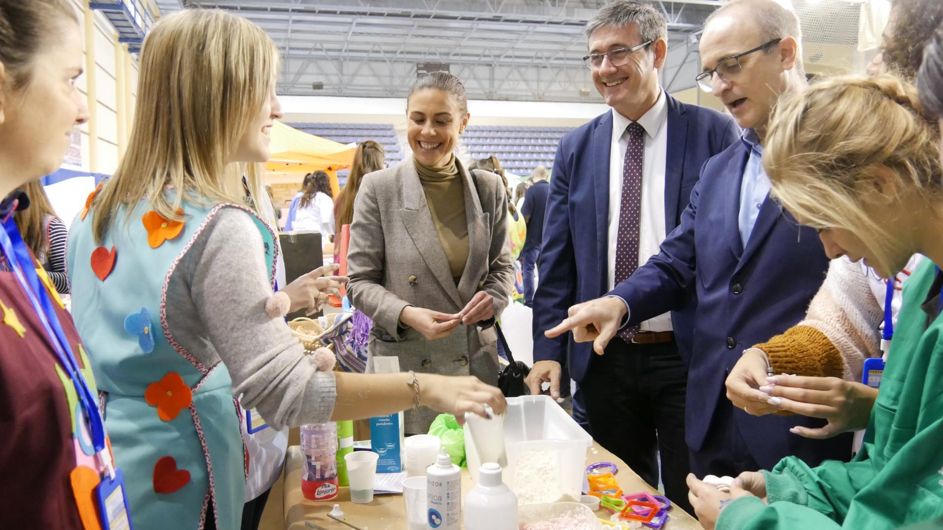 La II Feria de la Formación Profesional reúne más de 1.000 estudiantes del Poniente Almeriense