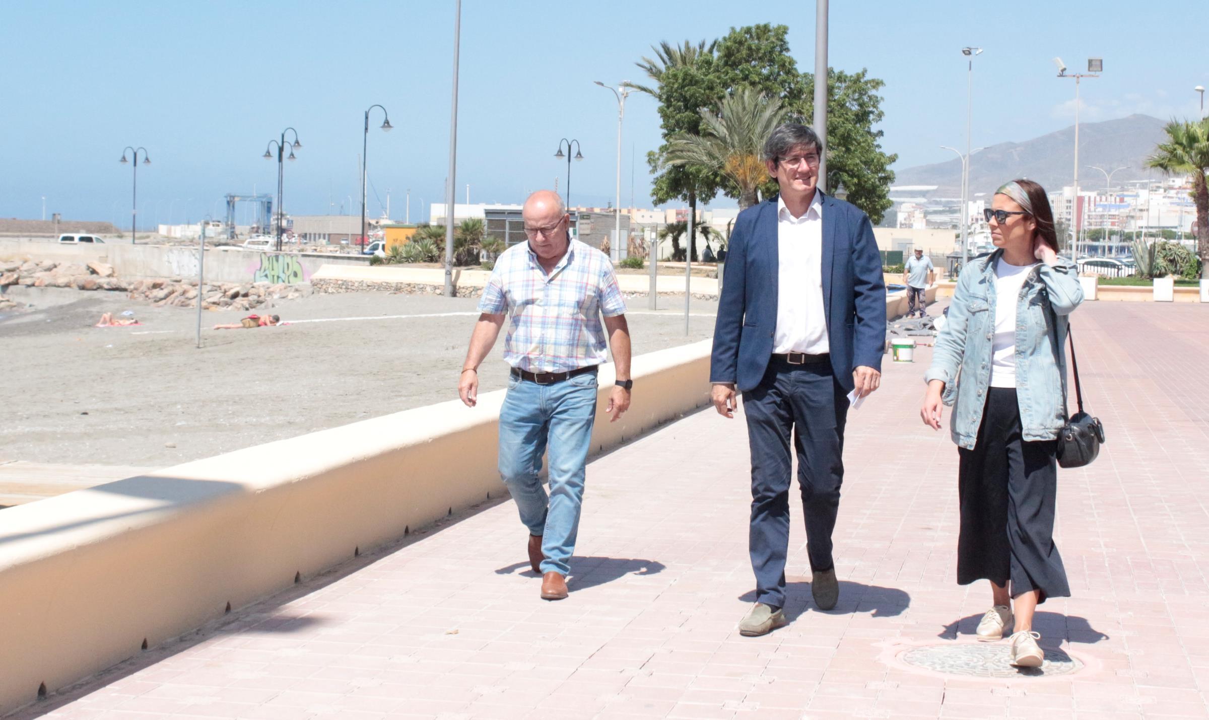 Adra aprueba más de 70.000 euros para poner a punto las playas de cara a Semana Santa