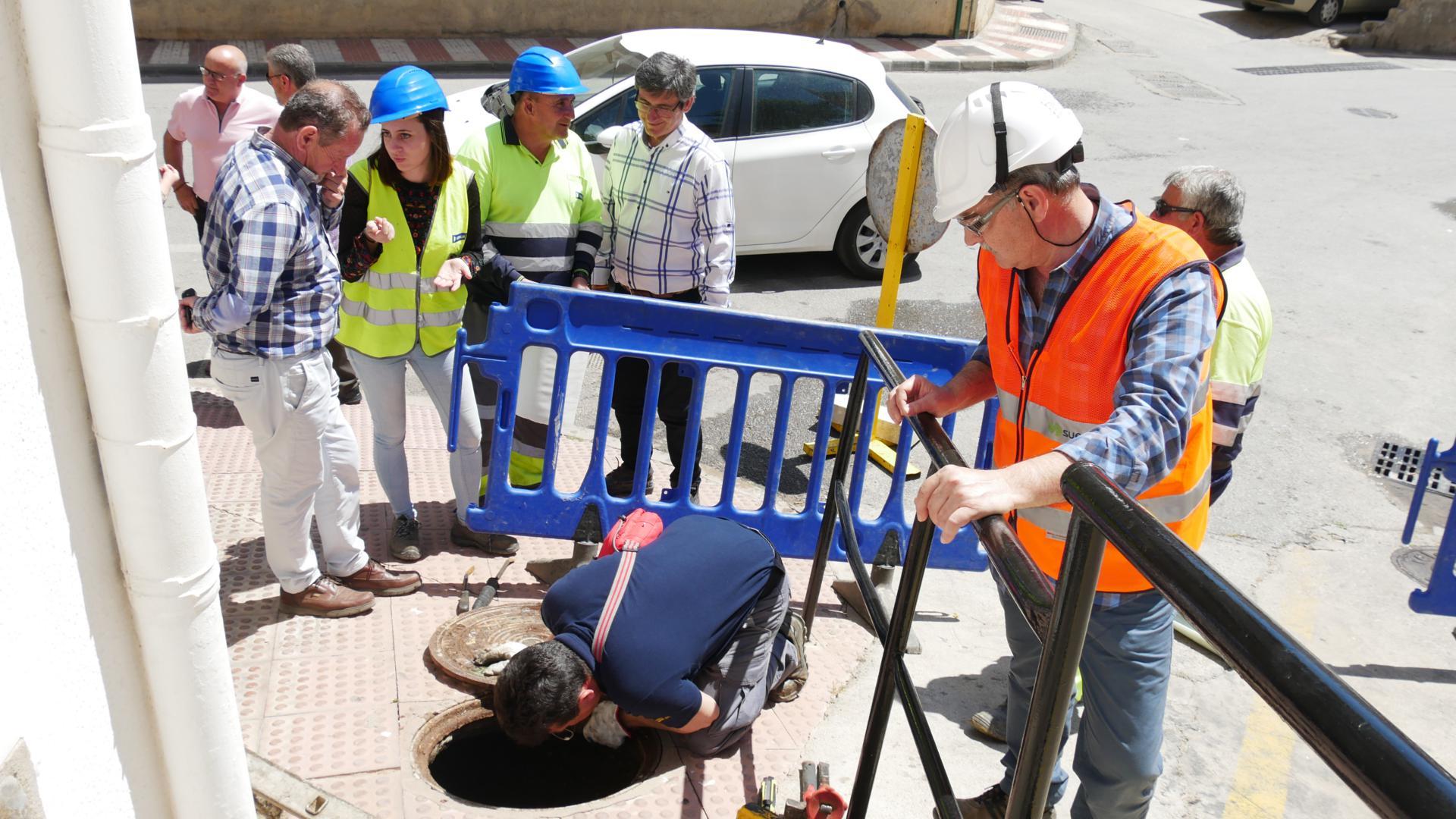 Rehabilitan el colector de la calle Alcázar sin necesidad de abrir zanjas