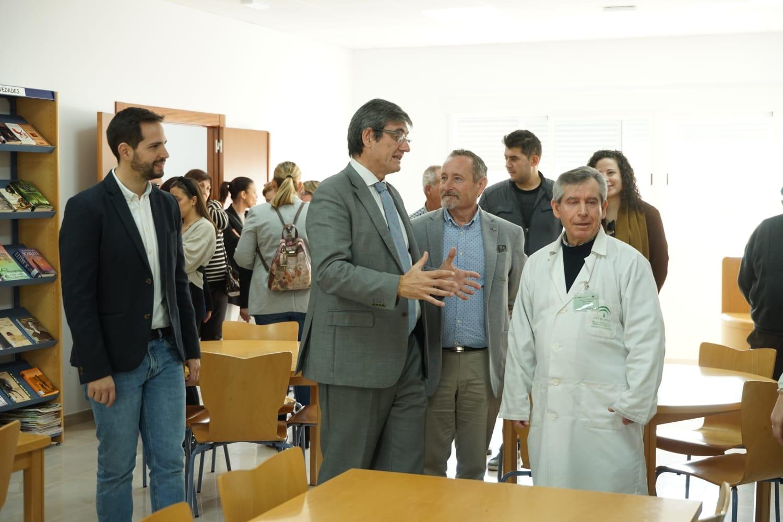 El alcalde de Adra inaugura el Centro de Usos Múltiples y Consultorio Médico de La Curva