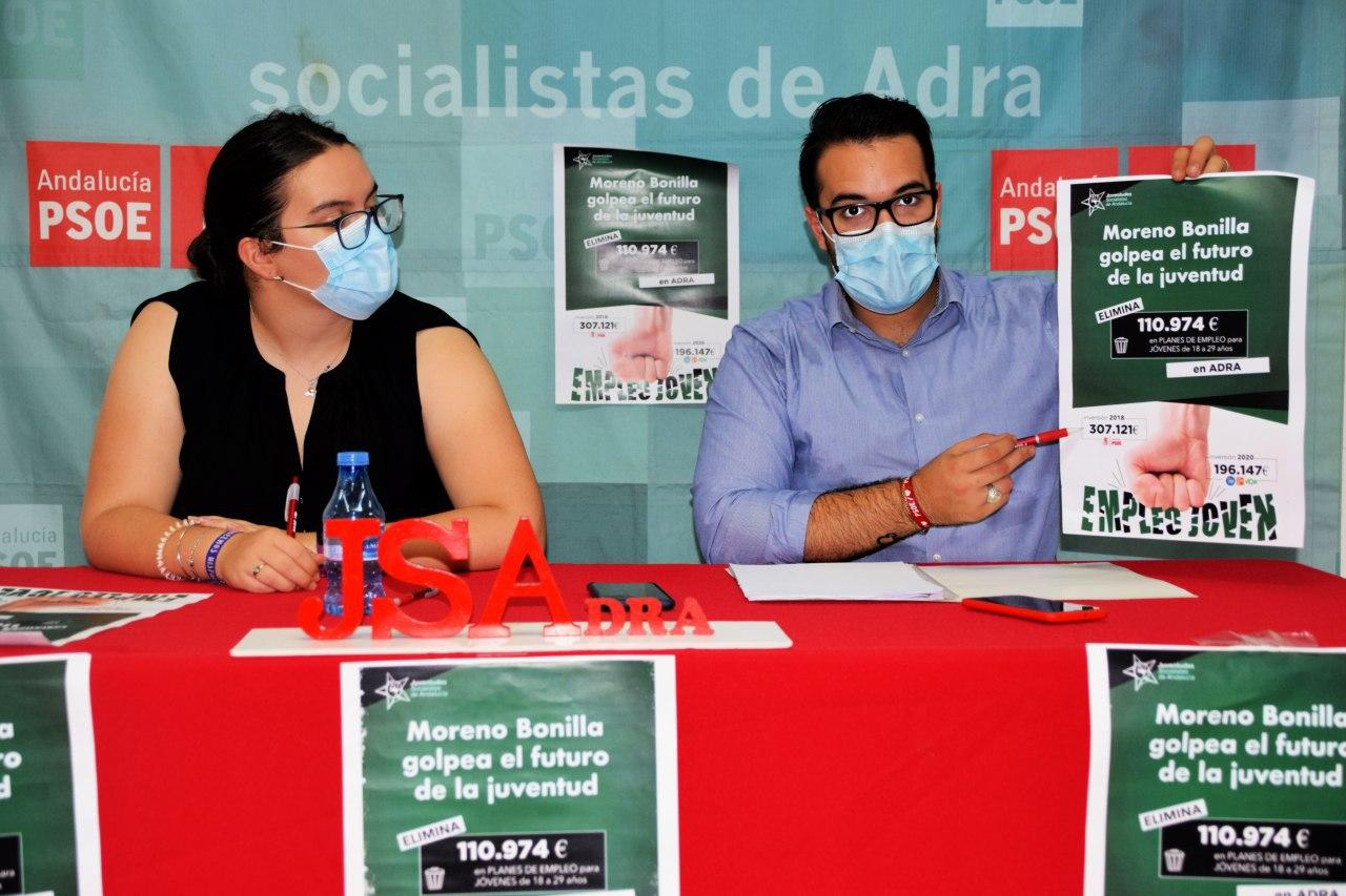 Juventudes Socialistas denuncia el recortes de la Junta en los planes de empleo joven en Adra