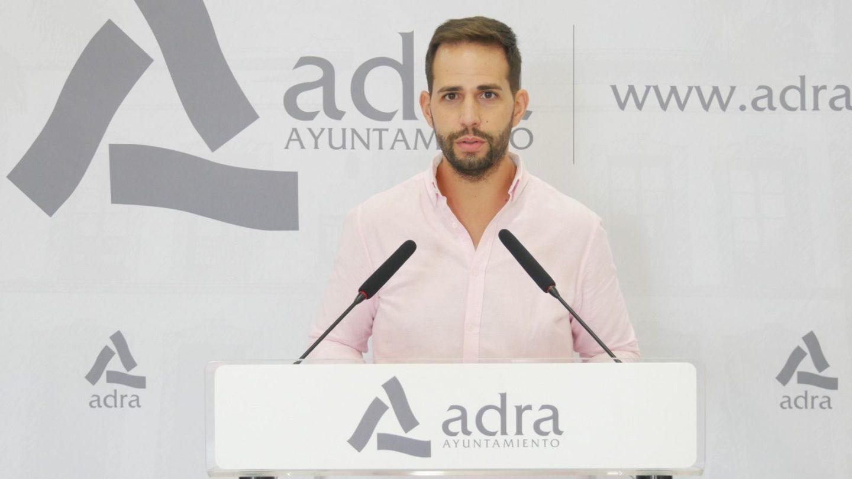 Alivio fiscal en Adra para los empresarios locales