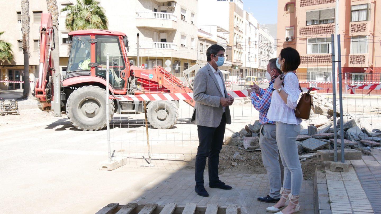 Las obras de mejora en el entorno de la Ermita en Adra llegan a su recta final