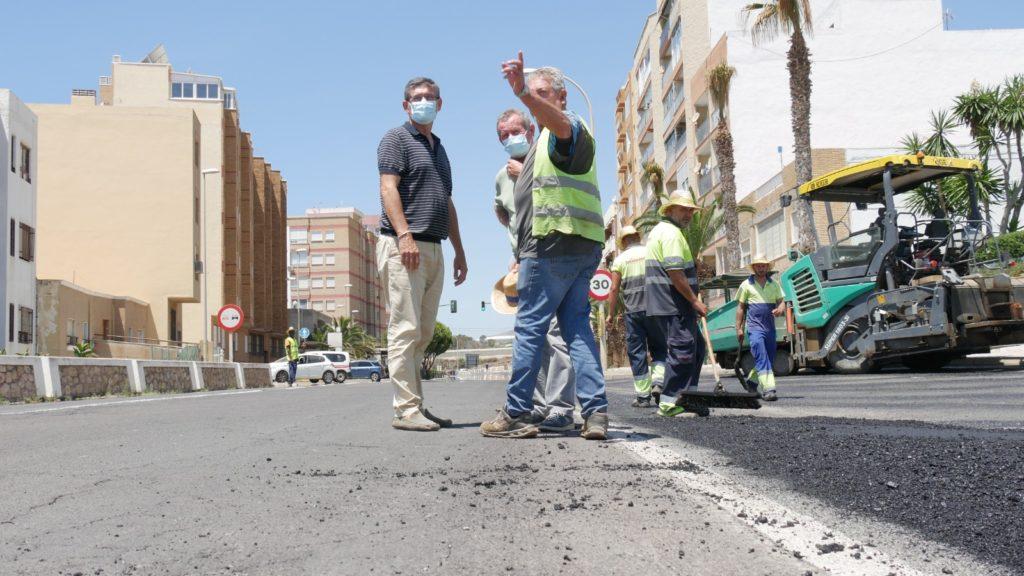 pavimentación de 14 calles de Adra