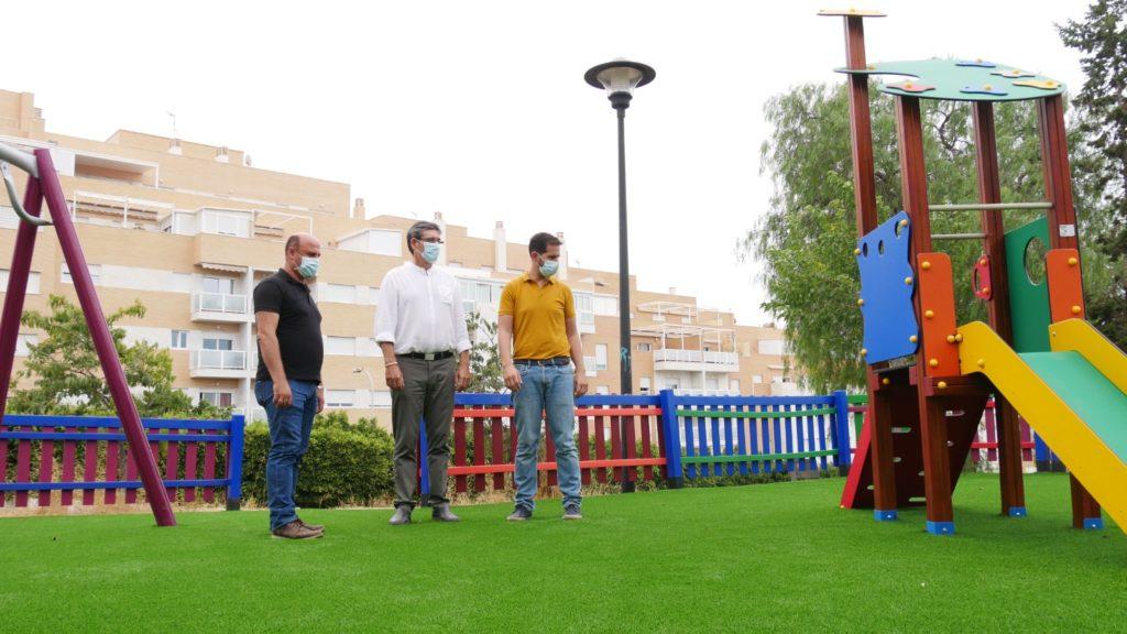 Adra renueva parque las 80 viviendas y fabriquilla